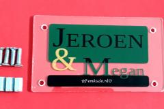 Naambordje Jeroen en Megan
